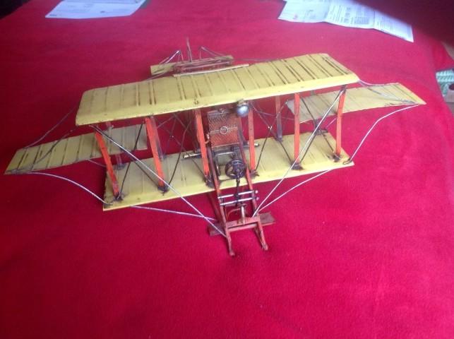Blech Doppeldecker, wer kennt dieses Flugzeug